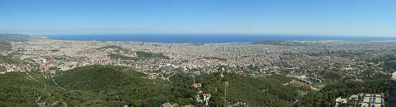 800px-Barcelona._View_from_Tibidabo